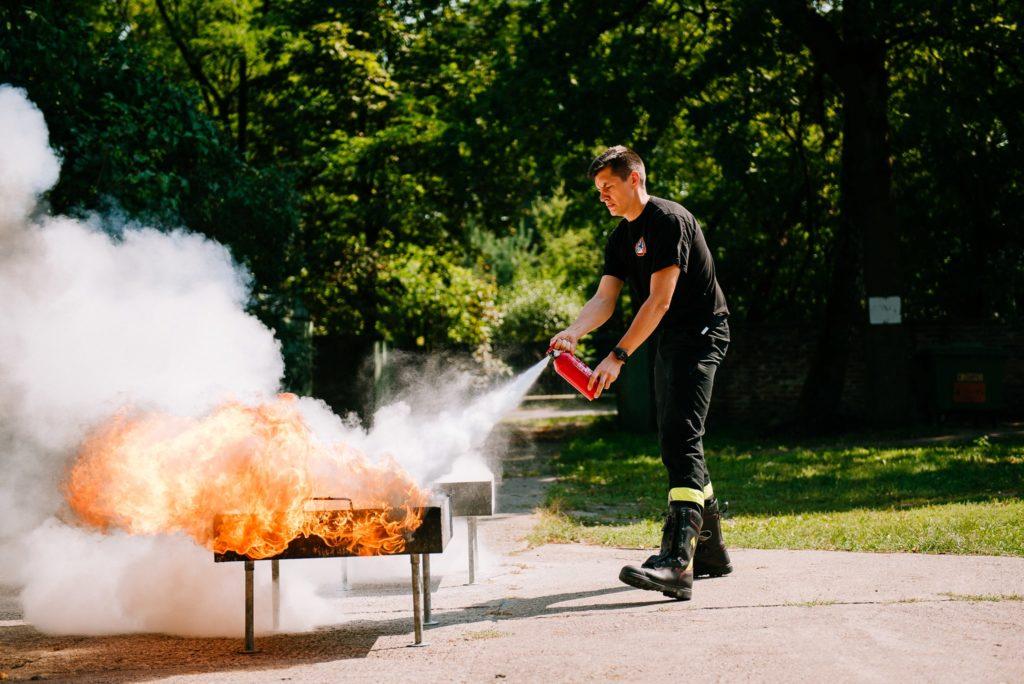 Szkolenie przeciwpożarowe - gaszenie gaśnicą
