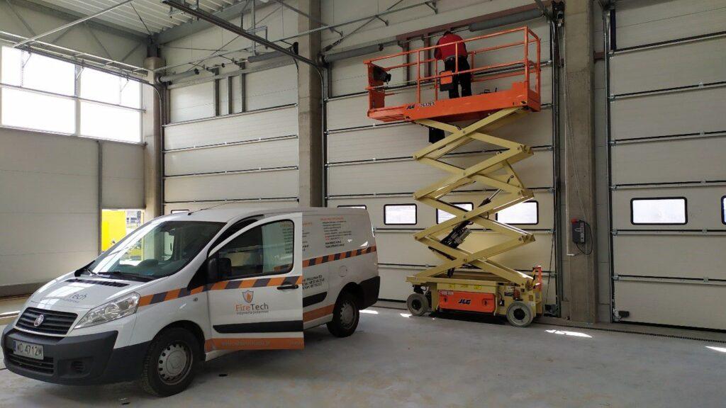 Usługi malowania farbami pęczniejącymi firetech